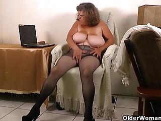 Nude chubby ebony women
